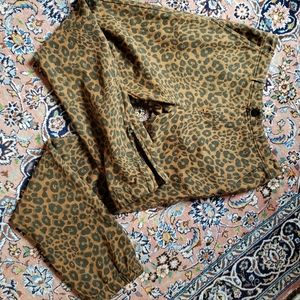 NWT-anthropologie leopard joggers-small